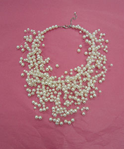 fun pearl necklace