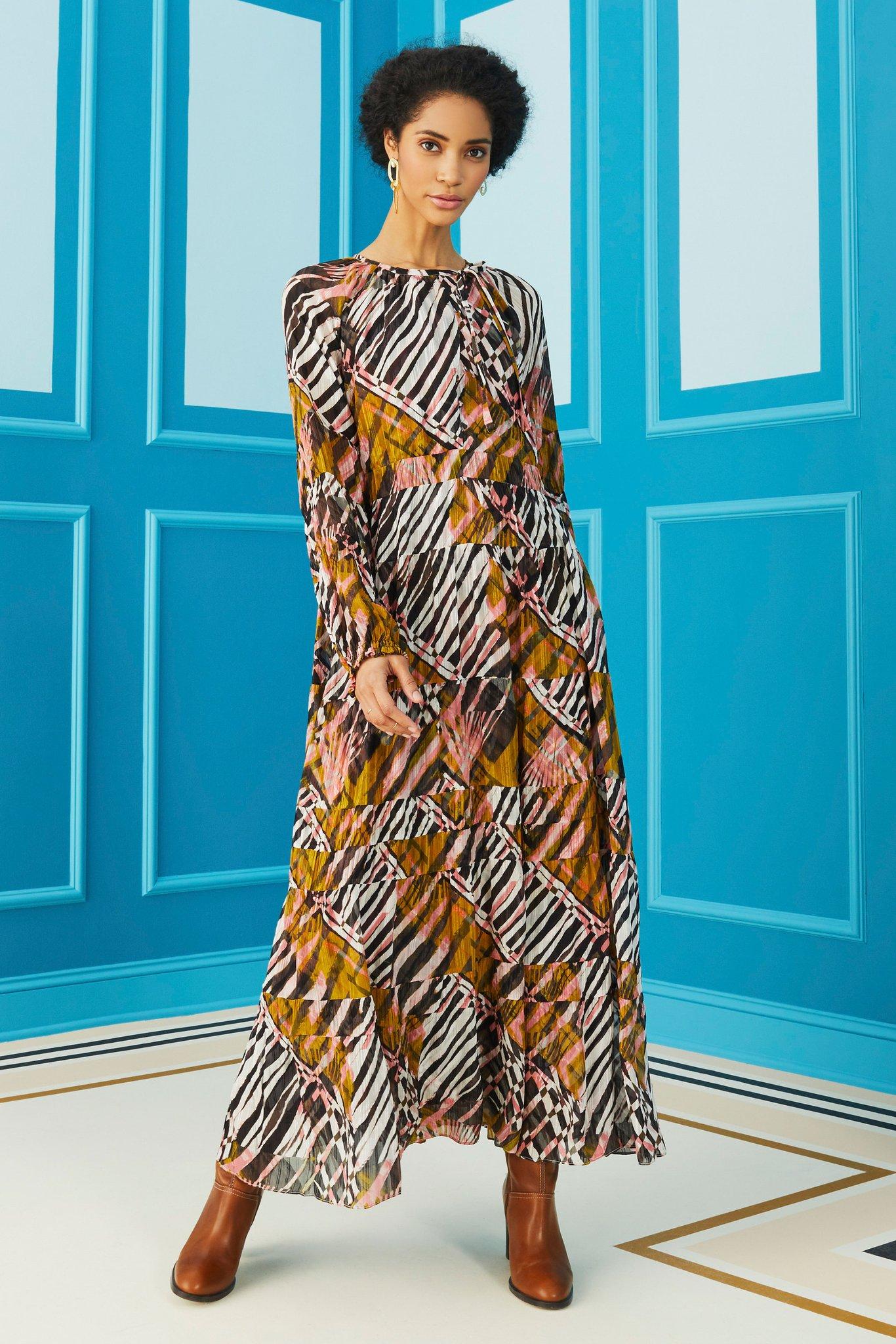Marie-Oliver-Venice-Caftan-Zebra-Wood-03_1366x